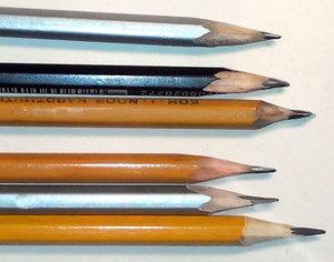прості олівці для малювання