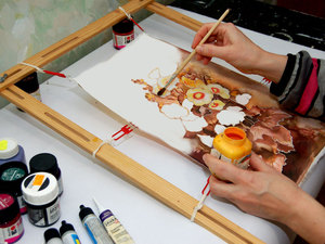 прорисовка картины в технике батик